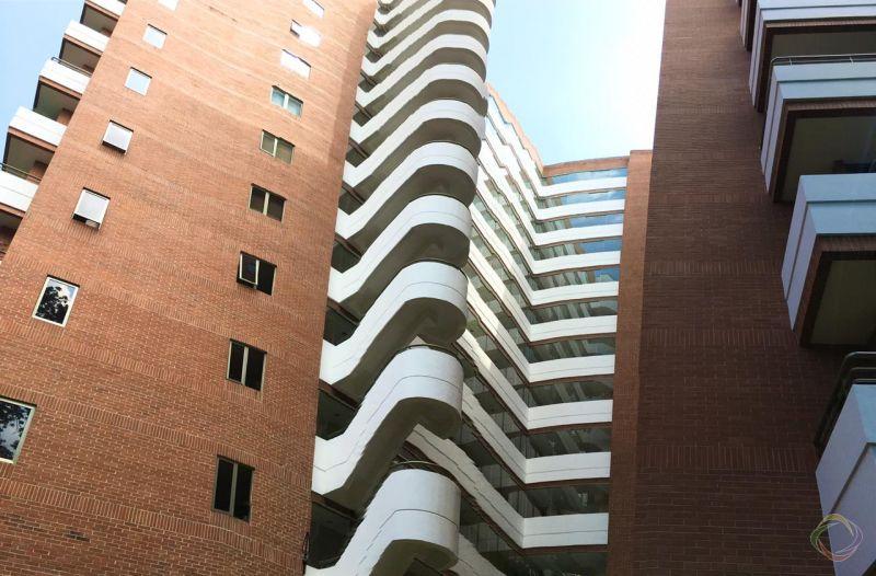 Apartamento en Venta zona 10 - large - 132168