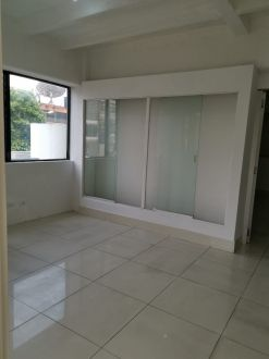 Oficina en Plaza Buró zona 10 - thumb - 132183