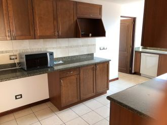 Apartamento en Edificio Vista Real zona 14 - thumb - 132248
