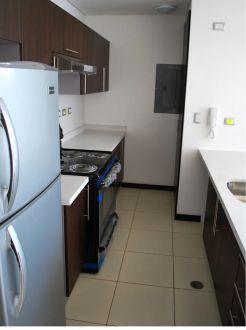 Apartamento en alquiler zona 14, Torre 14  - thumb - 135176