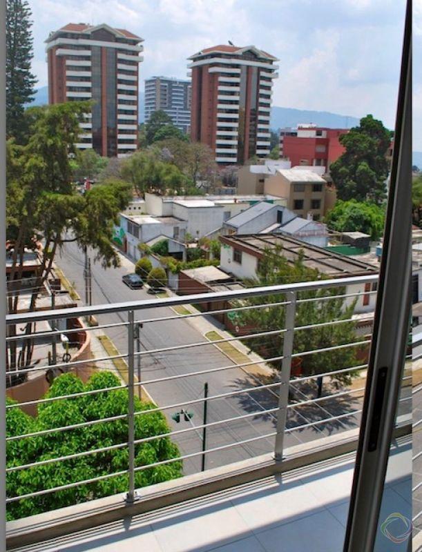 Apartamento en alquiler zona 14, Torre 14  - large - 135179