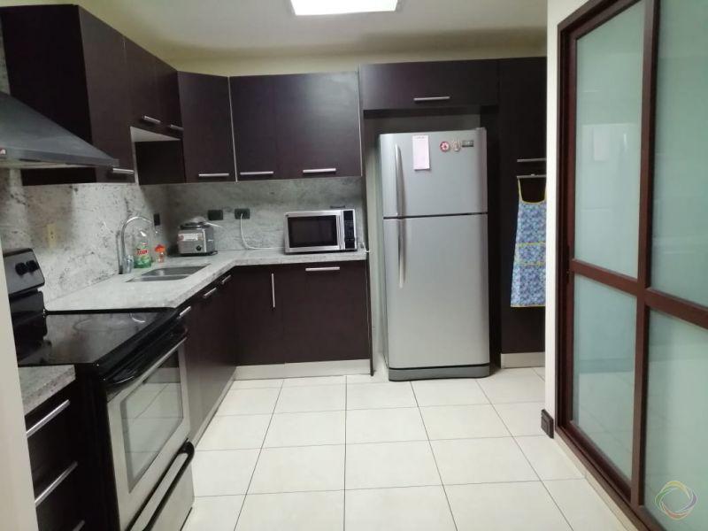 Apartamento Amueblado Santa Maria zona 10 - large - 135153