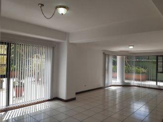 Apartamento amplio en Zona 15 vh1 - thumb - 135239