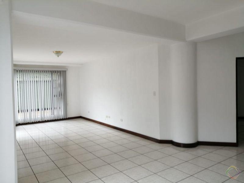 Apartamento en zona 15 - large - 135924