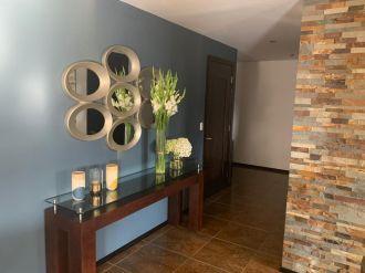 Apartamento amplio en Zona 10 - thumb - 136546