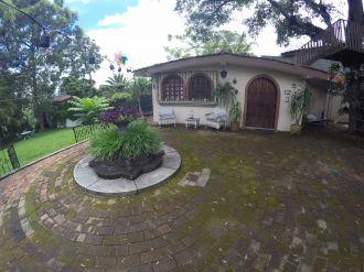 Casa con amplio jardin en VH2 - thumb - 137786