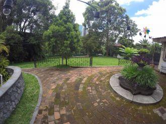 Casa con amplio jardin en VH2 - thumb - 137787