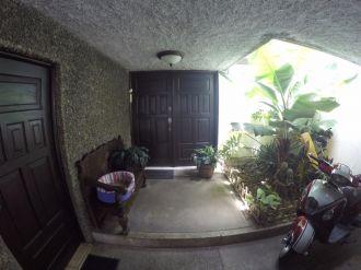 Casa con amplio jardin en VH2 - thumb - 137789