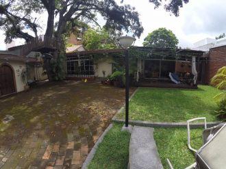 Casa con amplio jardin en VH2 - thumb - 137790