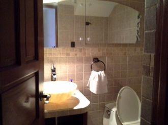 Casa Amplia dentro de condominio en zona 14 - thumb - 152958