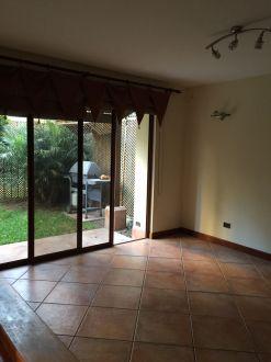 Casa Amplia dentro de condominio en zona 14 - thumb - 152963